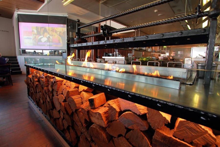 Boatshed Restaurant - The Regatta Hotel